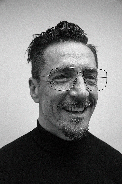 Kuvassa on tietokirjailija, luova johtaja Henkka Hyppönen.